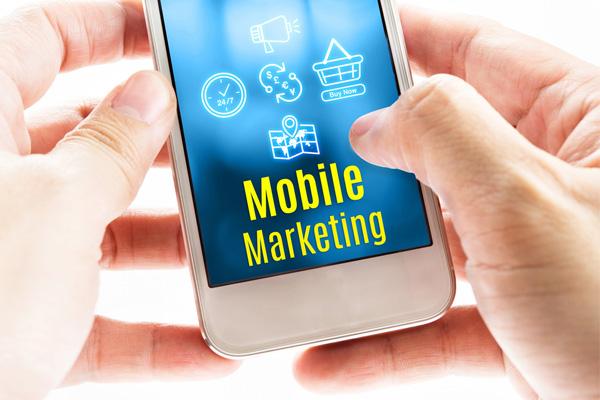 tiep-thi-bang-mobile-marketing-se-cang-hot-hon-trong-nam-2017-2